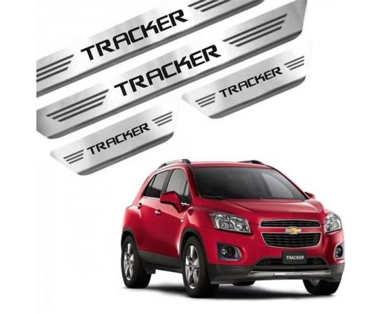 Soleira de Aço Inox Chevrolet Tracker (GPI Automotive) por alfabetoauto.com.br