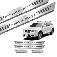 Soleira de Aço Inox Fiat Freemont