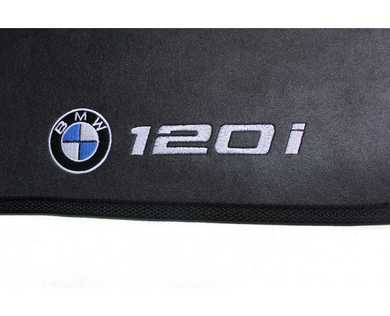 Tapete BMW 120i Borracha (Alfabetoauto) por alfabetoauto.com.br