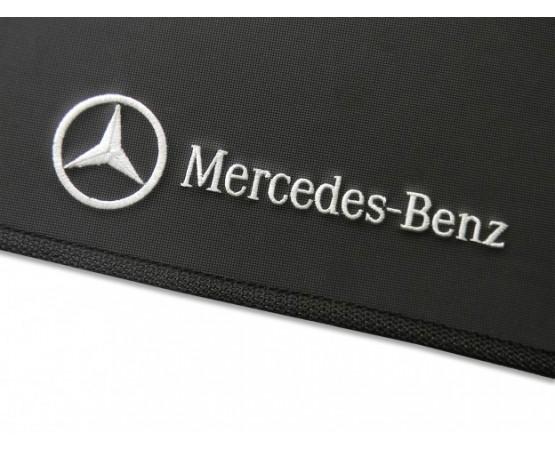 Tapete Mercedes Benz Classe GLA Traseiro Inteiriço Borracha (Alfabetoauto) por alfabetoauto.com.br