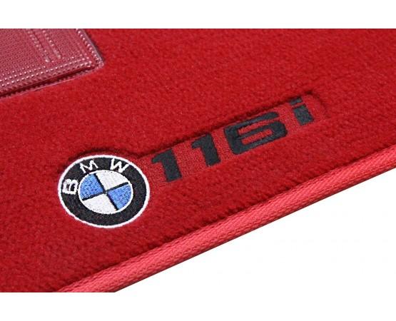 Tapete BMW 116i Luxo Vermelho (Alfabetoauto) por alfabetoauto.com.br