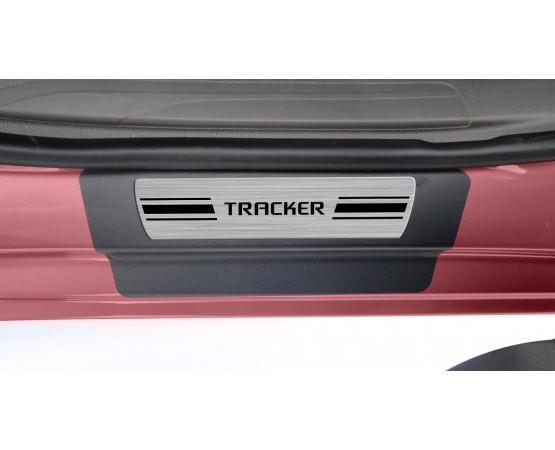 Soleira Premium Aço Escovado 4P Tracker (NP Adesivos e Resinagem) por alfabetoauto.com.br