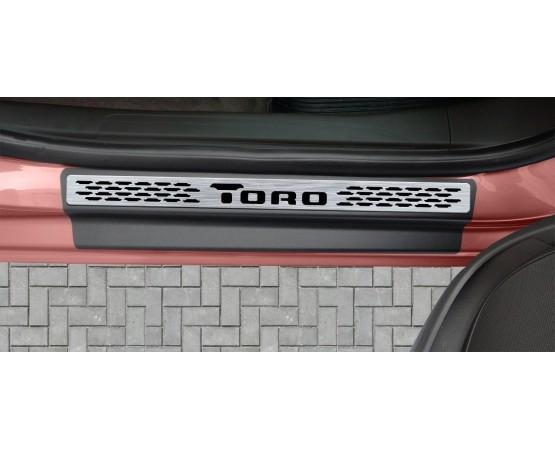 Soleira Premium Aço Escovado 4P Toro (NP Adesivos e Resinagem) por alfabetoauto.com.br