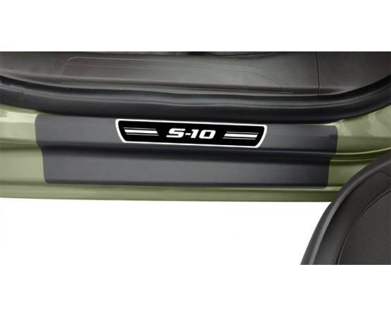 Soleira Premium Elegance2 4P S10 2012 (NP Adesivos e Resinagem) por alfabetoauto.com.br